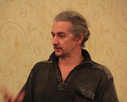 Андрей Лобанов проводит презентацию проекта «Здоровье своими руками» в Доме ученых
