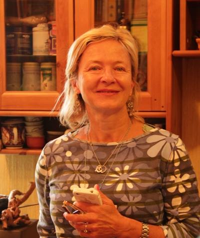Эллен Фербеек, главный редактор Yoga Journal